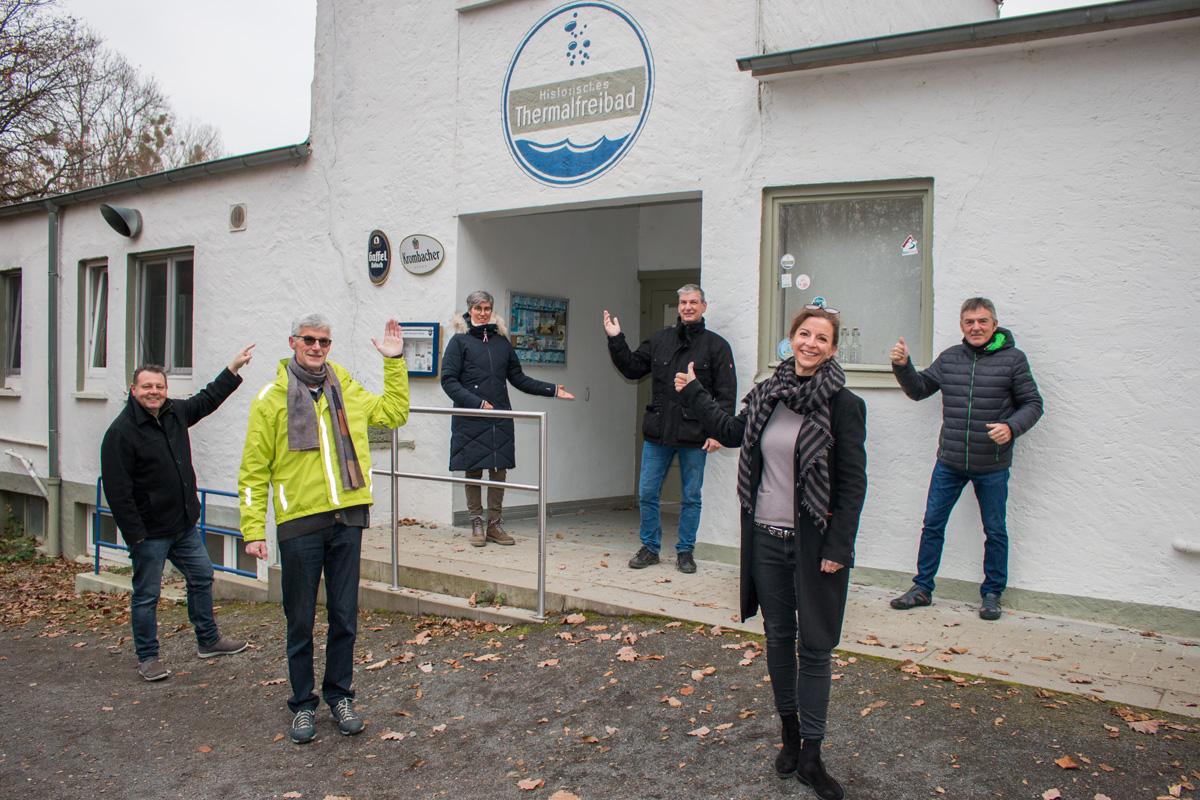 Landtagskandidat Reiner Friedsam von den Freien Wähler für den Erhalt Thermalfreibad Bodendorf