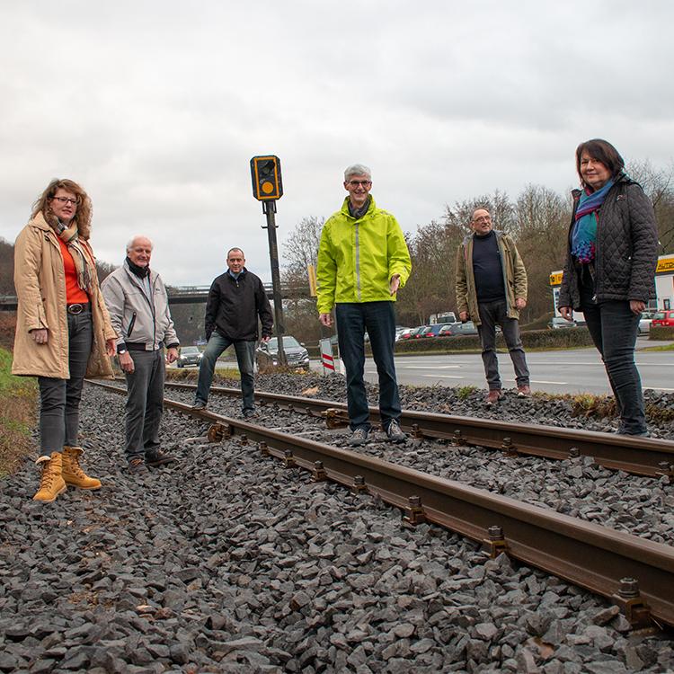 FWG Brohltal und Landtagskandidat Reiner Friedsam besichtigten die Sanierung der Brohltalbahn